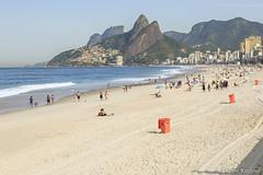 Praia de Ipanema, Rio de Janeiro (Enilton Kirchhof) Tags: 2016 fotoeniltonkirchhof riodejaneiro brasil praia ipanema riodejaneirorj canoneos5dmarkiii areia beach landscape sea mar gua brasilemimagens paisagem beiramar costa