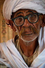 Old Man at Derawar Fort (Ali Chatai | Photo.blog) Tags: derawar dessert day alichatai ali art chatai cholistan fort photography pakistan people portrait punjab