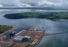 Nigg and cromarty (ccgd) Tags: cromarty nigg flying intheair yard energy park