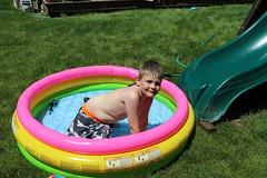 1E7A5468 (anjanettew) Tags: swimming diving kids pool summer fun twins sillykids splashing babypool