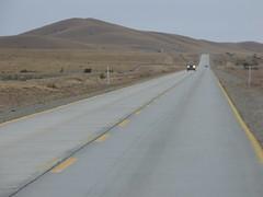 Llegando a Rio Gallegos (Luna y Valencia) Tags: patagonia riogallegos ruta3 argentina marga taqsa