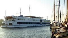 Prins Willem Alexander in Vlieland harbour (Alta alatis patent) Tags: waddensea sailing prinswillemalexander passenger ship