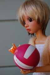 Lara (Emily1957) Tags: bjd australia volleyball light naturallight nikond40 nikon kitlens resin lizfrost