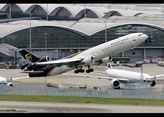 McDonnell Douglas | MD-11/F | United Parcel Service (UPS) | N284UP | Hong Kong | HKG | VHHH (Christian Junker | Photography) Tags: nikon nikkor d800 d800e dslr 70200mm teleconverter plane aircraft mcdonnelldouglas md11f md11 md1f m11 ups unitedparcelservice 5x 5x003 ups003 n284up cargo freighter heavy widebody trijet classicplane departure takeoff 07r vortex airline airport aviation planespotting 48541 621 48541621 284 hongkonginternationalairport cheklapkok vhhh hkg clk hkia hongkong sar china asia lantau cc christianjunker flickrtravelaward flickraward zensational hongkongphotos worldtrekker superflickers