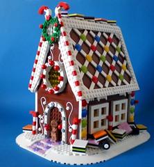 Home! Sweet Home! (Swan Dutchman) Tags: christmas candy lego mm gingerbreadhouse engelsedrop cookiehouse liquoriceallsorts koekhuis peperkoekhuis speculaashuis