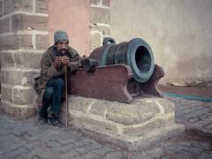 La nuit n'est jamais complte. (cafard cosmique) Tags: africa portrait portraits photography photo foto image northafrica retrato portrt ruine morocco maroc maghreb tradition portret mur marruecos ritratto essaouira marokko marrocos afrique       paulluard