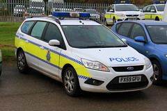 Lincolnshire Police Ford Focus Estate Dog Section Car (PFB-999) Tags: dog ford car wagon focus estate police headquarters lincolnshire vehicle leds van hq beacons section k9 workshops unit lightbar lincs constabulary rotators dashlight fx59gfu