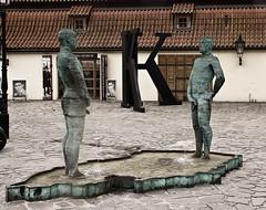 Piss sculture by David Cerny (La letra calma) Tags: prague praga pissing davidcerny pissingsculture