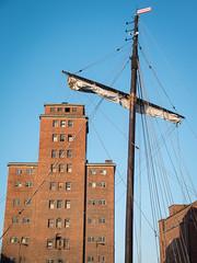 Wismar - Alter Hafen (lotl.axo) Tags: architecture buildings germany deutschland ships architektur wismar hafen ostsee gebude schiffe backstein