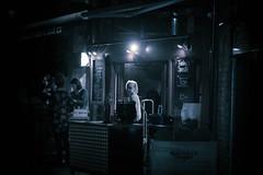 late night snack (Edo Zollo) Tags: london streetphotography thisislondon londonafterdark londonstreetphotography