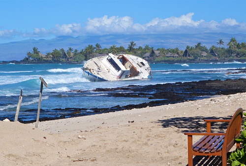 75' humanitarian ship flips twice and crashes into Four Seasons Hualalai reef; one lost at sea.