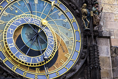 Prague astronomical clock (Andrea Sommaruga PH) Tags: color detail clock canon skull reflex prague zoom praha praga orologio astronomical bello astronomico amazingcolor beautifuldestination