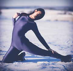Stretching in Snow (Roomsixty6.de) Tags: model outdoor body bodysuit spandex lycra catsuit leggings jumpsuit unitard zentai ganzanzug roomsixty6 suits4me