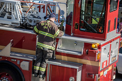 42nd_Brandon_Accident-8 (Pye42) Tags: seattle truck washington accident firetruck westseattle fireman vehicle sfd seattlefiredepartment