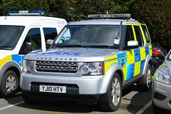 YJ10 HTV (S11 AUN) Tags: car video traffic yorkshire 4 north group police rover rpg land vehicle roads emergency discovery unit equipped 999 rpu nyp policing tdv6 yj10htv