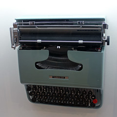 Lettera 22 Portable Typewriter (JB by the Sea) Tags: sanfrancisco california typewriter sfmoma financialdistrict olivetti sanfranciscomuseumofmodernart marcellonizzoli june2016