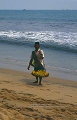 Carita, beach with fruit seller (blauepics) Tags: city sea man beach water fruit strand work indonesia meer wasser jakarta stadt mann arbeit seller indonesian indonesien pantai frchte verkufer indonesischer