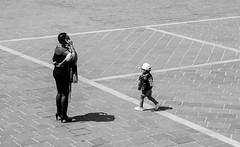 telefonami tra  vent'anni (rossolev) Tags: italia cellulare bimbo piazza telefono abruzzo sedere costadeitrabocchi culone roccasangiovanni cricriviadarocca