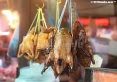 Smoked Chicken (2121studio) Tags: thailand bangkok siam travelphotography amazingthailand  travelinthailand khlongtoeymarket khlongtoeimarket  landoftiger landofwhiteelephant thaitourinformation