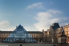 Pyramide du Louvre (Quentin Douchet) Tags: paris monument palaisdulouvre pyramidedulouvre louvrepyramid louvrepalace