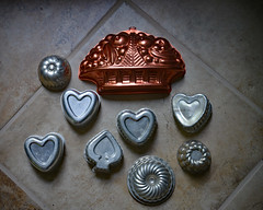 Some Things Don't Fit the Mold (BKHagar *Kim*) Tags: metal shopping circle tile tin store aluminum basket estate floor heart sale collection thrift round copper mold spade bkhagar
