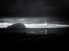 Flor (Sven von Lilienfeld) Tags: water sky sun sunset midnightsun norge norwegen wasser mountain lumix gh3 norway