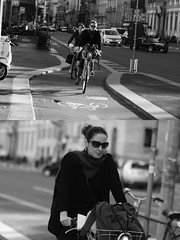 [La Mia Citt][Pedala] con il BikeMi (Urca) Tags: milano italia 2016 bicicletta pedalare cicllista ritrattostradale portrait dittico nikondigitale mir bike bicycle biancoenero blackandwhite bn bw 881122 bikemi bikesharing