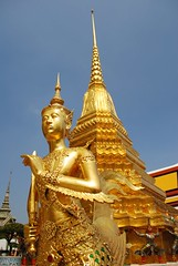 Wat Phrakaew (Paolo Rosa) Tags: statue thailand temple gold golden bangkok wat watphrakaew phrakaew 2014