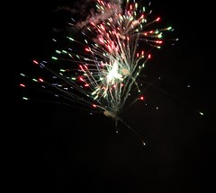 Fireworks 2014 (Rebecca Jay Thorne) Tags: red green lines yellow gold golden fireworks explosion streams streaks bang 2014