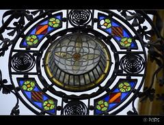 Mosaic de colors (PCB75) Tags: barcelona color lanterne catalonia vila tres catalunya lantern lanterna modernist modernisme artesania ferro vilafranca catalogna peneds modernista catalogne fanal vidre forja artes altpeneds ferroforjat carrerdesantamaria vilafrancadelpeneds vegueria many melciorbalt