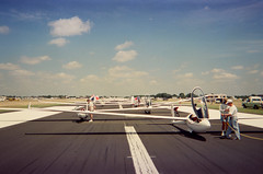 Pre-race grid (Franksoars) Tags: racing soaring glider sailplane