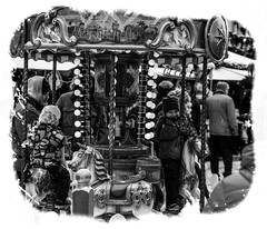Barn p karusellen Tallin (PeterSundberg66 former PeterSundberg65) Tags: old sky people stone kids estonia walk framed watch watching round feeling tallin estland