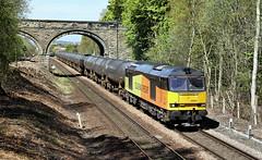 Colas Tanks At Oakenshaw Lane. (Neil Harvey 156) Tags: railway wakefield tug walton crofton colas class60 60056 bitumentanks colasrail 6e32 prestondockstanks prestontanks oakenshawlane