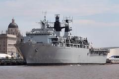 HMS Bulwalk (das boot 160) Tags: sea port docks river boats boat dock ship ships navy maritime naval mersey rn docking royalnavy rivermersey clt merseyshipping hmsbulwalk liverpoolclt