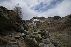 Capanna Albagno (U.T.O.E.) / Sezione Bellinzona (Toni_V) Tags: leica alps landscape schweiz switzerland tessin ticino europe suisse hiking 28mm rangefinder trail mp alpen bellinzona svizzera wanderung wanderweg randonne 2016 berghtte svizra escursione myswitzerland leicam elmaritm digitalrangefinder niksoftware messsucher 160514 capannaalbagno typ240 analogefexpro2 toniv m2400038