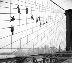 Painters suspended on cables of the the Brooklyn Bridge (1914) [1280  1131] #HistoryPorn #history #retro http://ift.tt/1R5PX3b (Histolines) Tags: bridge history brooklyn retro cables timeline suspended 1914 painters 1131 1280  vinatage historyporn histolines httpifttt1r5px3b