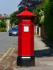 Cheltenham, Gloucestershire (Oxfordshire Churches) Tags: cheltenham gloucestershire panasonic lumixgh3 england uk unitedkingdom johnward royalmail postboxes letterboxes mailboxes pillarboxes vr pb100602 gl5017 jwpenfold penfold cochranegroveco hexagonal victorian listedbuildings gradeiilisted
