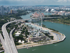 seriously big wheel (D-j-L) Tags: road city water wheel architecture canon buildings bay highway singapore cityscape transport ferriswheel sg s100 singaporeflyer