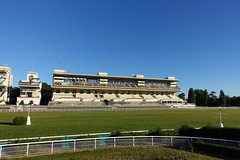 Pelouses de l'hippodrome d'Auteuil @ Paris (*_*) Tags: park city morning summer horse paris france europe sunday july sunny racing parc hippodrome 2016 auteuil