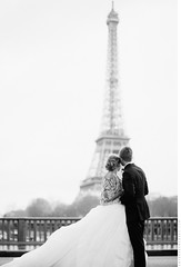 Lovers in Paris (Anton Welt) Tags: wedding bw paris france groom bride fineart eiffeltower eiffel toureiffel destination verawang