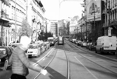 Crossing at the red light (Ten Zielony) Tags: blackwhite nikon hungary crossing budapest redlight zima zielony węgry budapeszt