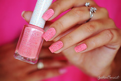 651 Fragola (Strawberry) :: Kiko (Agatha (Hta)) Tags: pink sand strawberry rosa cupcake kiko unhas fragola arenoso esmaltes 651 texturizado chapisco liquidsand