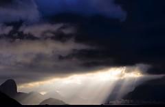 Hominis Natura (Umbrae Galeria) Tags: sea sun mer sol soleil mar twilight meer mare shadows ombre dmmerung sole crpuscule sonne  schatten   ombres crepsculo oscuridad crepuscolo sj  skygger skumringen procvratormeafecit