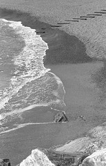 The beach (Federico Pitto) Tags: bw d76 hp5 nikonfe2 nikkor135mm28