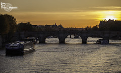 Red sky (Lonely Soul Design) Tags: bridge sunset paris seine river boat pont neuf