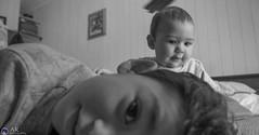 Hermanos Bebés (Alejandro Retamal) Tags: love brothers amor interior amistad hermanos