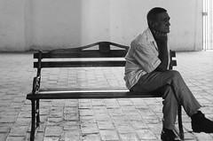 Trinidad, Cuba (Manuel Blayo) Tags: bw man film 35mm bench cuba banco trinidad hp5 ilford hombre banc homme canonet28