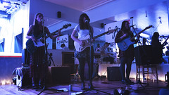 Queen of Jeans | Sofar Philly | 2016 (Sweeney Bob) Tags: sony concertphotography palmas a6300 bobsweeney queenofjeans abireimold sofarsounds sofarphilly
