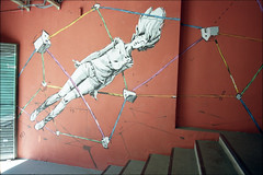 2016 (uno900) Tags: madrid street españa art graffiti spain san arte mercado fernando urbano barrio graffitis lavapies pincho tejidos graffitimadrid streetartmadrid arteurbanomadrid tejidosdebarrio