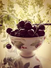 Cerezas (manu torras) Tags: red fruit vintage rojo fruta stillife cerezas alimentos stillfood